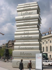 """Modern Book Printing"" − sculpture commemorating its inventor Gutenberg"